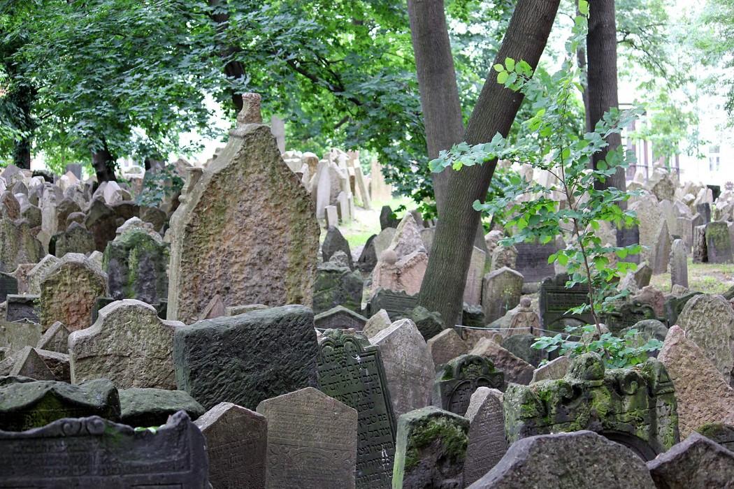 Old Jewish Cemetery Josefov